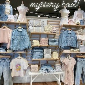 Brandy Melville Other - 12PC Brandy melville mystery box